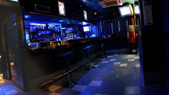 Azzurro rock pub rock blog azzurro - Decoracion de bares de copas ...